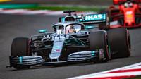 Lewis Hamilton v kvalifikaci v Číně
