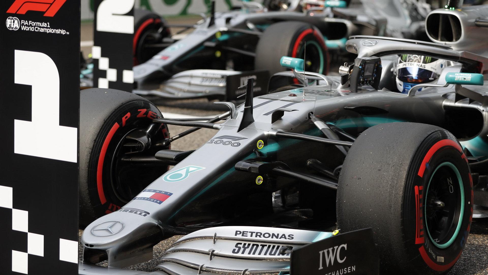 Mercedes zatím v letošní sezóně podává suverénní výkony