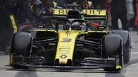 Daniel Ricciardo v závodě v Číně