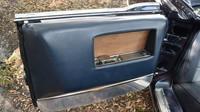 Lincoln Continental X-100: Přesná kopie prezidentské limuzíny, ve které byl zastřelen prezident Kennedy