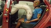 Vývojem airbagů pro zadní cestující se dlouhodobě zabývá třeba společnost ZF