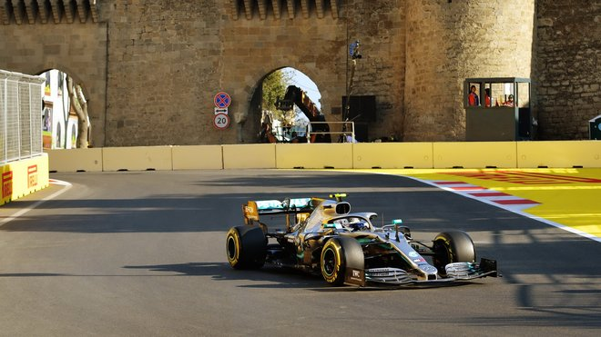Mercedes zatím sbírá letos jedno double za druhým