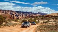 """Automobilka Land Rover se rozhodla oslavit """"World Land Rover Day"""" zveřejněním fotek z testování nového Defenderu"""