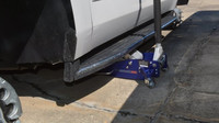 Zloději ukradli z dealerství Chevroletu 124 kol a způsobili škodu přes 2.7 milionu korun (Facebook/Slidell Police Department)