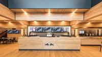 Red Bull se pochlubil novou dřevěnou Energy Station