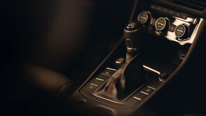 Volkswagen prezentuje manuální převodovku jako nový bezpečnostní prvek