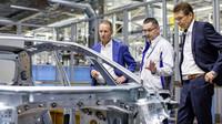 Transformace výrobního závodu Cvikov na výrobu výhradně elektromobilů probíhá podle časového harmonogramu