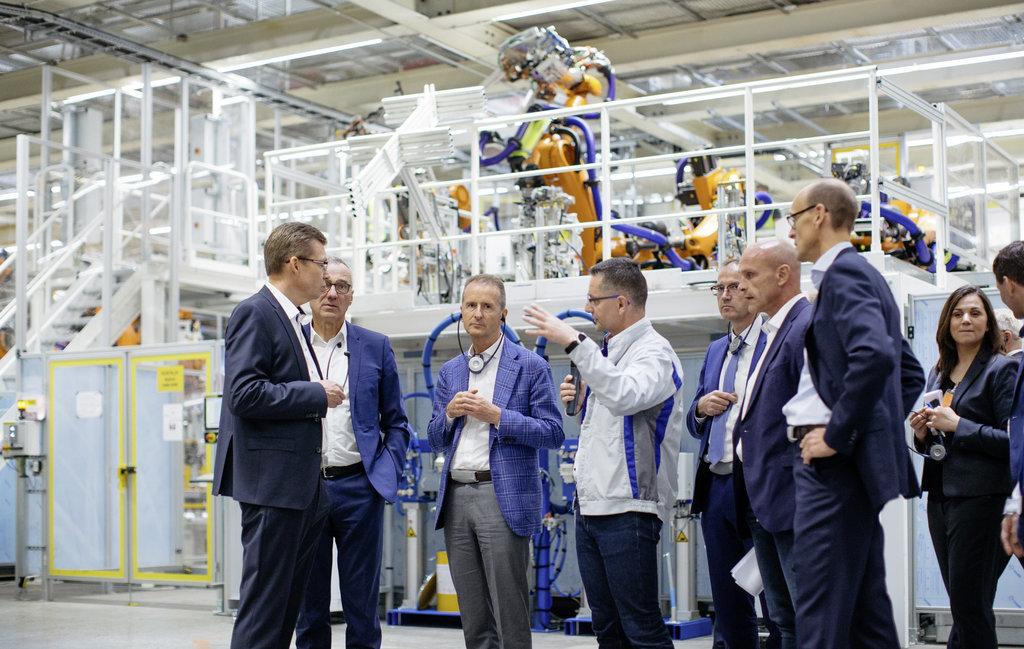 Volkswagen požaduje vrátit PRÉMIE od zaměstnanců! Co se stalo? - anotační obrázek