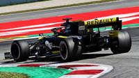 """""""Renault s motorem rozhodně udělal pokrok, na Ferrari ale stále dost ztrácí,"""" všímá si Sainz - anotační foto"""