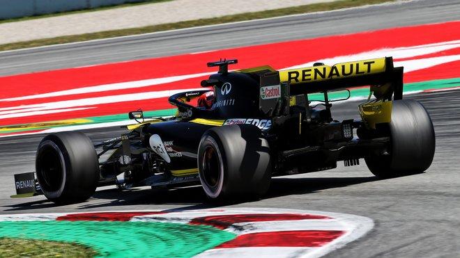 Renault během sezónních testů v Barceloně