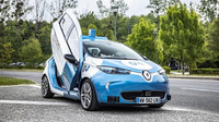 Autonomní vůz dle Renaultu? Elektromobil Zoe s křídlovými dveřmi - anotační foto