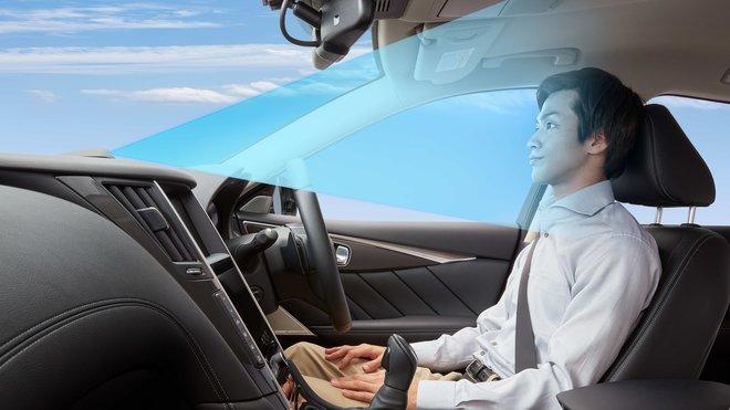 Nissan se chystá nabídnout nový systém ProPILOT 2.0, který nabídne navigovanou jízdu po dálnici a umožňuje jízdu v jednom jízdním pruhu bez rukou na volantu
