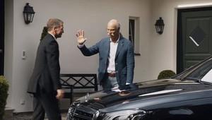 BMW vyseklo poklonu odcházejícímu šéfovi Mercedes-Benz. A pak si trochu rýplo - anotační obrázek