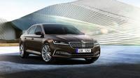 Omlazená Škoda Superb přináší inovativní technologie, nové materiály a ostřeji řezaný design - anotační foto