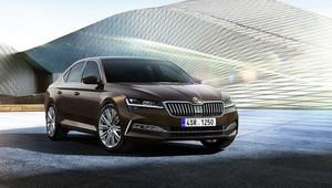 Omlazená Škoda Superb přináší inovativní technologie, nové materiály a ostřeji řezaný design - anotační obrázek
