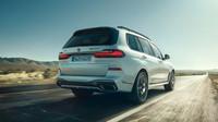 BMW představilo svá nejsilnější SUV, modely X5 a X7 dostaly přeplňované motory V8 - anotační obrázek
