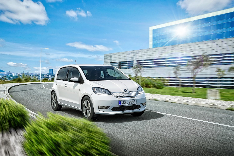 Elektrická Škoda Citigo iV nabídne dojezd až 265 km, z 0 na 100 km/h jí to však trvá 12,5 s. - anotační obrázek