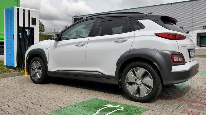 Kompaktní SUV Hyundai Kona Electric zvládlo v rámci 24hodinového testu ujet celkem 1 823 km