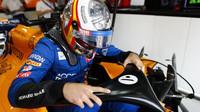 Carlos Sainz v tréninku v Monaku