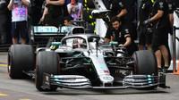 Mercedes o dramatické opravě Hamiltonova vozu před startem. Co stálo za zrychlením Lewise v GP Kanady? - anotační obrázek