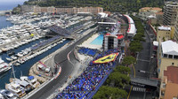 Pohled na trať v Monaku, část kolem bazénu