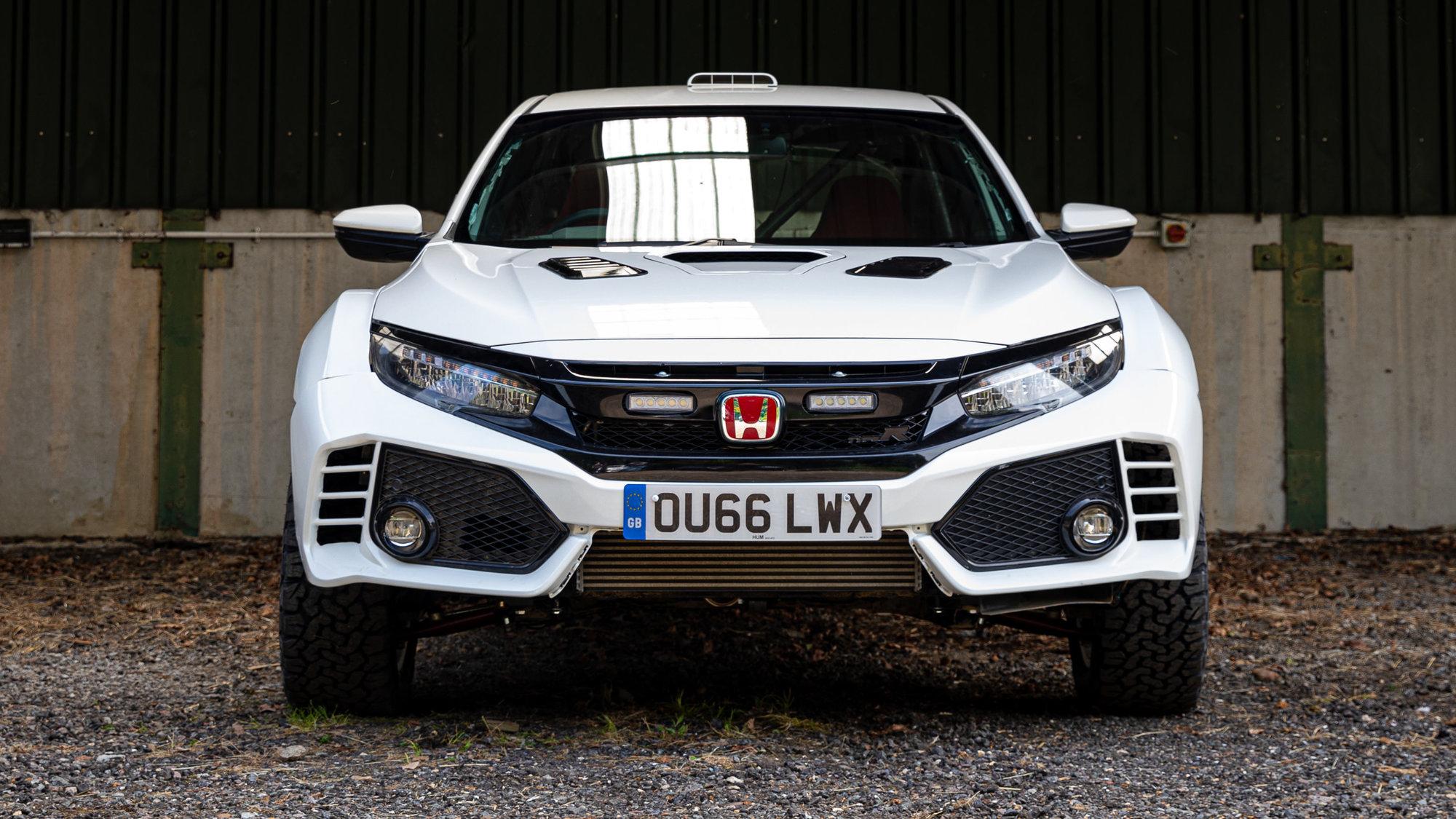 Honda Civic Type R do terénu? Atraktivní přestavbu OveRland ukázali Britové - anotační obrázek