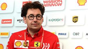 Binotto reaguje na kolizi svých jezdců. Propukla u Ferrari válka? - anotační obrázek