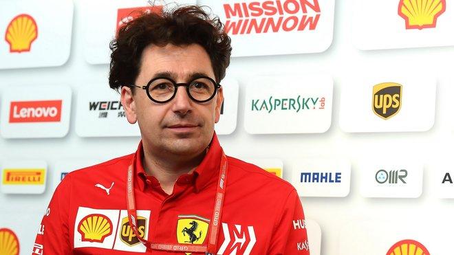 Mattia Binotto v kvalifikaci v Monaku