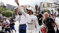 GP Monaka: Hamiltona může porazit zase jen Hamilton - anotační foto