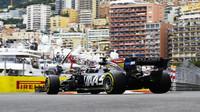 Romain Grosjean v závodě v Monaku