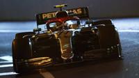 Valtteri Bottas v závodě v Monaku