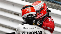 Lewis Hamilton a Sebastian Vettel po závodě v Monaku