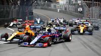 V kuloárech se formuje budoucnost královny motorsportu