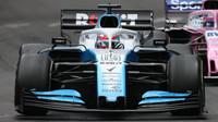 George Russell v závodě v Monaku