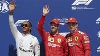 Lewis Hamilton, Sebastian Vettel a Charles Leclerc po kvalifikaci v Kanadě