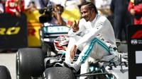 Lewis Hamilton po vítězství v Kanadě