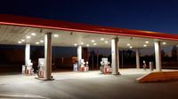 Kolik litrů paliva si můžete koupit za průměrnou mzdu v Evropě a v Česku? - anotační foto