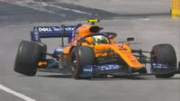 Lando Norris s porouchaným McLarenem ve Velké ceně Kanady