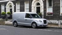 Londýnský minivan? LEVC ukázal hybridní dodávku na bázi černého taxíku - anotační obrázek