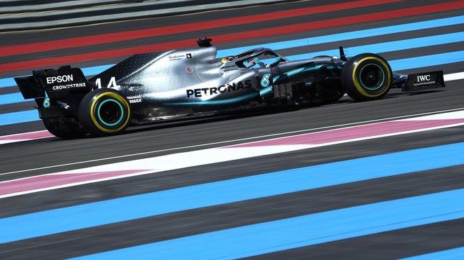 Lewis Hamilton s Mercedesem W10 ve Francii
