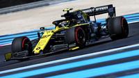 """""""Jsme minimálně stejně rychlí jako McLaren,"""" tvrdí Renault, i když s ním zatím prohrává. Fungují mu nové díly? - anotační foto"""