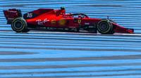 Charles Leclerc v závodě ve Francii
