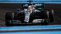 Lewis Hamilton v závodě ve Francii
