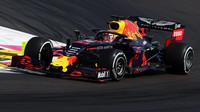 Max Verstappen to s Red Bullem v Rakousku pěkně rozbalil