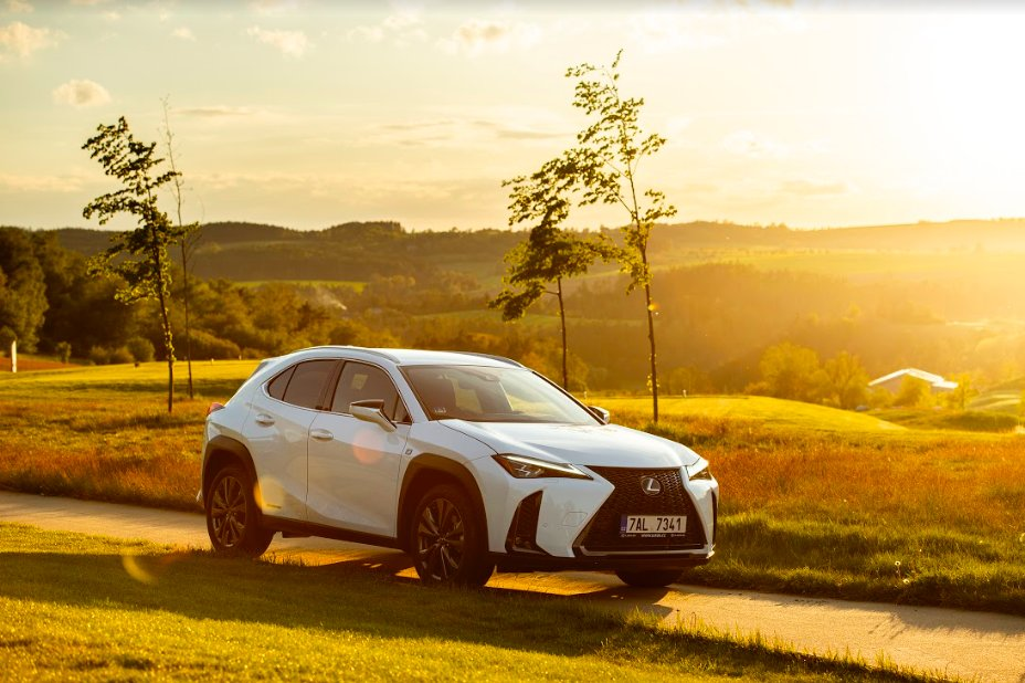 Lexus UX dosáhl nejlepších výsledků v crash testech - anotační obrázek