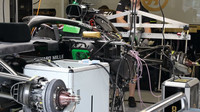 Haas s odkrytým motorem