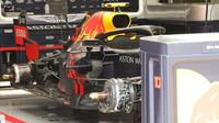 Red Bull v garáži