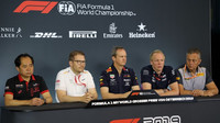 Šéfové týmů na tiskové konferenci - zleva: Tanabe, Seidl, Monaghan, Green a Isola