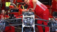 Přední zavěšení Ferrari