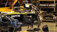 Pohled pod Renaultu